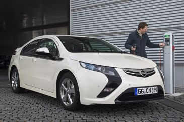 Opel Ampera nu te reserveren